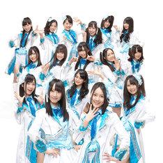 SKE48。写真前列右が松井珠理奈、左が松井玲奈。