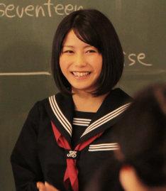 「卒業」のビデオクリップで初々しい演技を披露した横山由依(AKB48)。