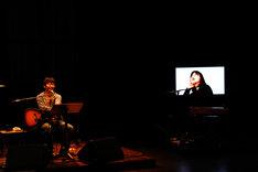 星野源と大久保佳代子の絶妙な掛け合いに観客は大爆笑(写真は4月4日公演の様子)。