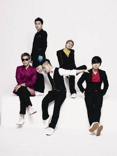 こちらは本家BIGBANGのアーティスト写真。