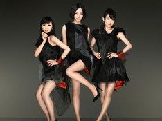 Perfumeの披露する「レーザービーム」は、現在徳間ジャパンのオフィシャルYouTubeでビデオクリップを公開中。