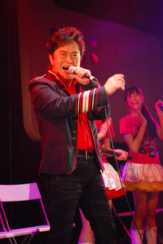 水木一郎は「マジンガーZ」をはじめめとするキラーチューンを生披露(写真は「『ももクロChan』Presents『~試練の七番勝負~』」第6戦より)。