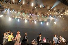 写真は「忌野清志郎 ロックン・ロール・ショー 日本武道館 Love&Peace」の様子。