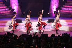 9期メンバーの鈴木香音、鞘師里保、譜久村聖、生田衣梨奈(写真左から)。