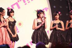 8月27日の「TOKYO IDOL FESTIVAL 2011 Eco & Smile」をもって、アイドリング!!!に正式復帰した後藤郁(写真中央)。