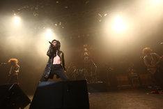 """シングルリリースに先駆け、10月には東名阪ツアー「DEAD END tour """"DEATH ACE 2011""""」も行われる。"""