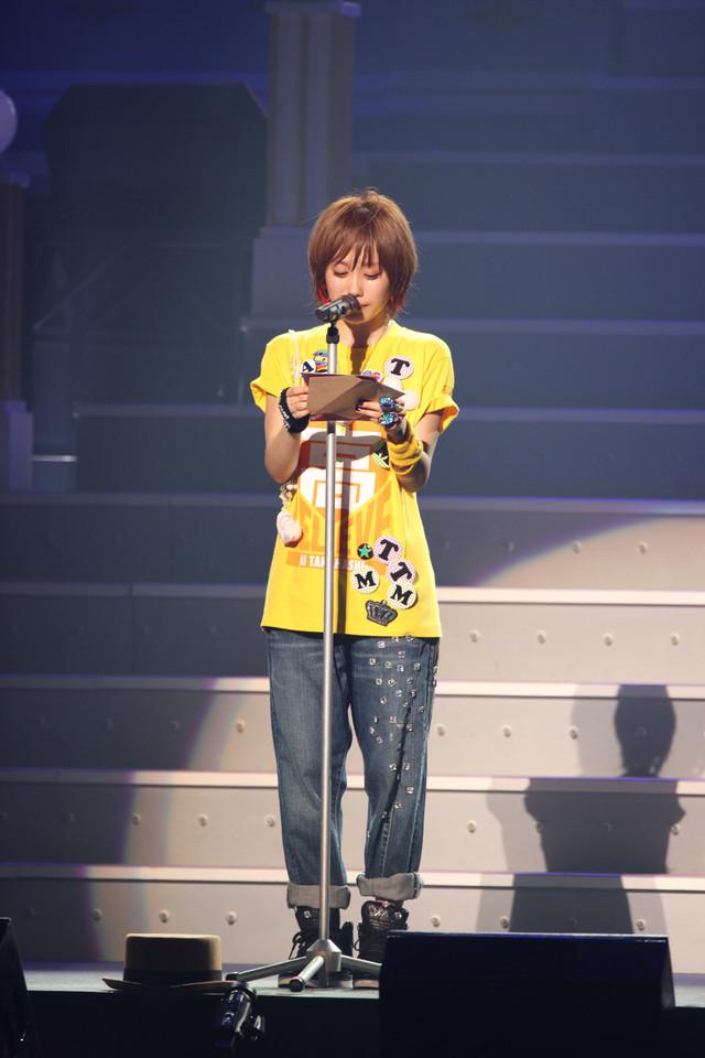 高橋愛はこの日会場に来ていた明石家さんまに向けても、ラジオでの共演を機にいろいろ学んだことについて感謝の言葉を贈った。