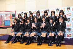 囲み取材に出席したSKE48のメンバー。