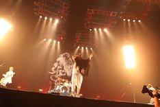 ムックはトリにふさわしい圧倒的なステージを披露。 (C) V-ROCK FESTIVAL '11