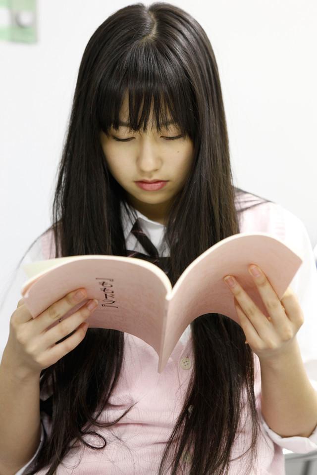 「ももドラ」episode.2「姉カレ」の主演を務める佐々木彩夏。