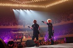 写真は日本武道館公演「LM.C 2012 ~Go To The 5th Anniversary FINAL~」より。