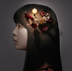 南波志帆のニューシングル「少女、ふたたび」(写真)は3月7日リリース。