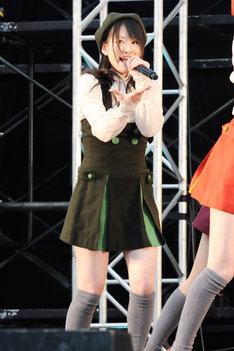 小野晴香(写真は1月29日に西武ドームで行われたシングル「片想いFinally」全国握手会イベントより)