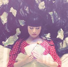 アーバンギャルドは3月7日にニューシングル「生まれてみたい」(写真)をリリース。