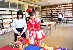 キャンペーンに応募した中村明日香さん(写真左)は、かなこ推し。