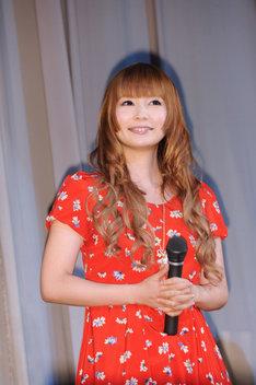 囲み取材で「あーりん萌え! あーりん萌え!」とももクロを前に興奮気味に語っていた中川翔子。