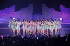 「ハウス!」を披露する乃木坂46(写真はZepp Nagoya公演より)。