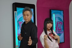 「ボーカロイドステージ」のMC担当の大槻ケンヂ(写真左)となあ坊豆腐@那奈(写真右)。