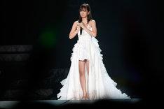 前田敦子(写真は8月26日公演より)。 (C)AKS