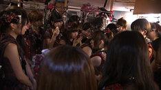 前田敦子卒業公演直後の楽屋の様子。(C)テレビ朝日