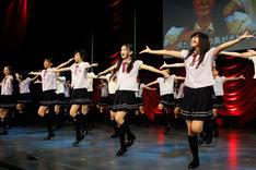 写真は乃木坂46「16人のプリンシパル」の9月9日第2公演より、アンコールの様子。