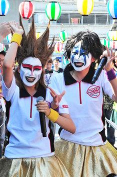 伊藤千由李(写真左)と大黒柚姫(右)。