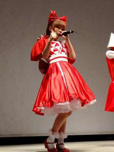 1月30日にラゾーナ川崎で行われた「きゃりーの100%ぱみゅぱみゅライブ 2013」の模様。