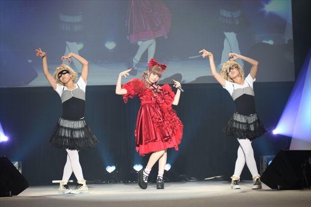 「きゃりーぱみゅぱみゅーじあむ」展示衣装例のライブイベント着用衣装。