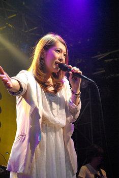 東京・渋谷duo MUSIC EXCHANGE公演での曽根由希江。