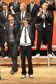 「FKD48 6th LIVE~確信~ 第二回総選挙結果発表!」の模様。写真は第2回総選挙で1位となった磁石・永沢。
