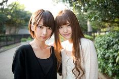 橋本奈々未、松村沙友理(左から)