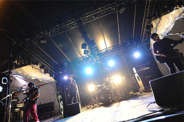 きのこ帝国 (C) Metrock 2013