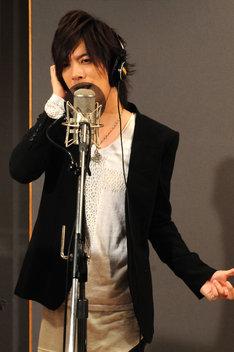 DAIGOの1stシングル「いつも抱きしめて / 無限∞REBIRTH」公開レコーディングの様子。