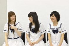 左から松村沙友理、高山一実、生駒里奈(以上乃木坂46)。