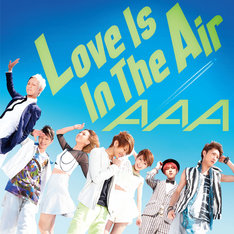 AAA「Love Is In The Air」CD+DVD盤ジャケット