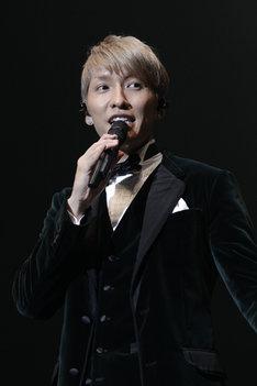 KEITAこと橘慶太。写真は「KEITA SIDE BY SIDE TOUR 2013」千葉・舞浜アンフィシアター公演の模様。