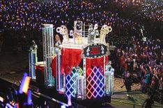 写真は本日8月4日の西武ドーム公演の様子(撮影:上飯坂 一、江藤はんな)。