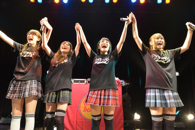 2013年8月に東京・WWWで実施されたライムベリーの初ワンマンライブ「MAGIC PARTY」の様子。
