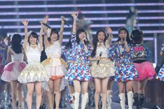 ファンに喜びを伝えるSKE48メンバー。 (c)AKS