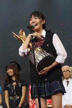 34thシングルのセンターに輝いた松井珠理奈。 (c)AKS