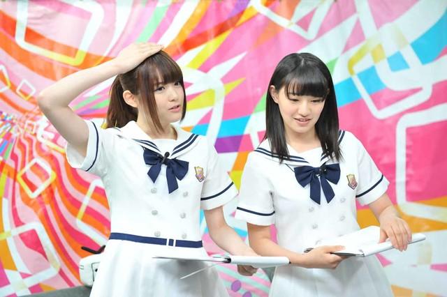 左から松村沙友理、中田花奈。