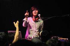 DJ'TEKINA//SOMETHING(ゆよゆっぺ)(撮影:柴田和彦)