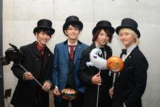 東京・ららぽーと豊洲での特典会にハロウィン仕様の衣装で登場したDISH//。