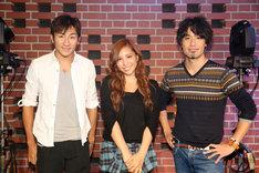 「キエタイクライ」の作詞作曲を手がけたキマグレンと河西智美。