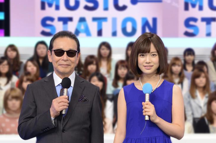 「ミュージックステーション」MCのタモリと、テレビ朝日の弘中綾香アナウンサー。(c)テレビ朝日