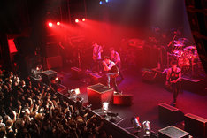 "OBLIVION DUST「LIVE TOUR 2014 ""Blood Red Stars""」TSUTAYA O-EAST公演の様子。"