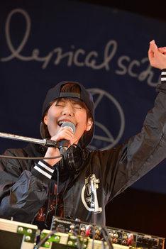 """""""KSDD""""なアイドルDJで会場を盛り上げたDJ Megu(Negicco)。"""
