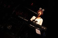 ハナエ。2月9日に東京・原宿アストロホールで行われたワンマンライブの様子。(撮影:後藤壮太郎)