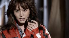 前田敦子「セブンスコード」PVのワンシーン。 (c)You,Be Cool! / KING RECORDS