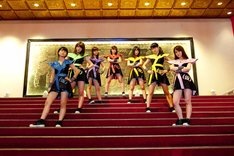 アップアップガールズ(仮)「ENJOY!! ENJO(Y)!!」PV撮影の様子。